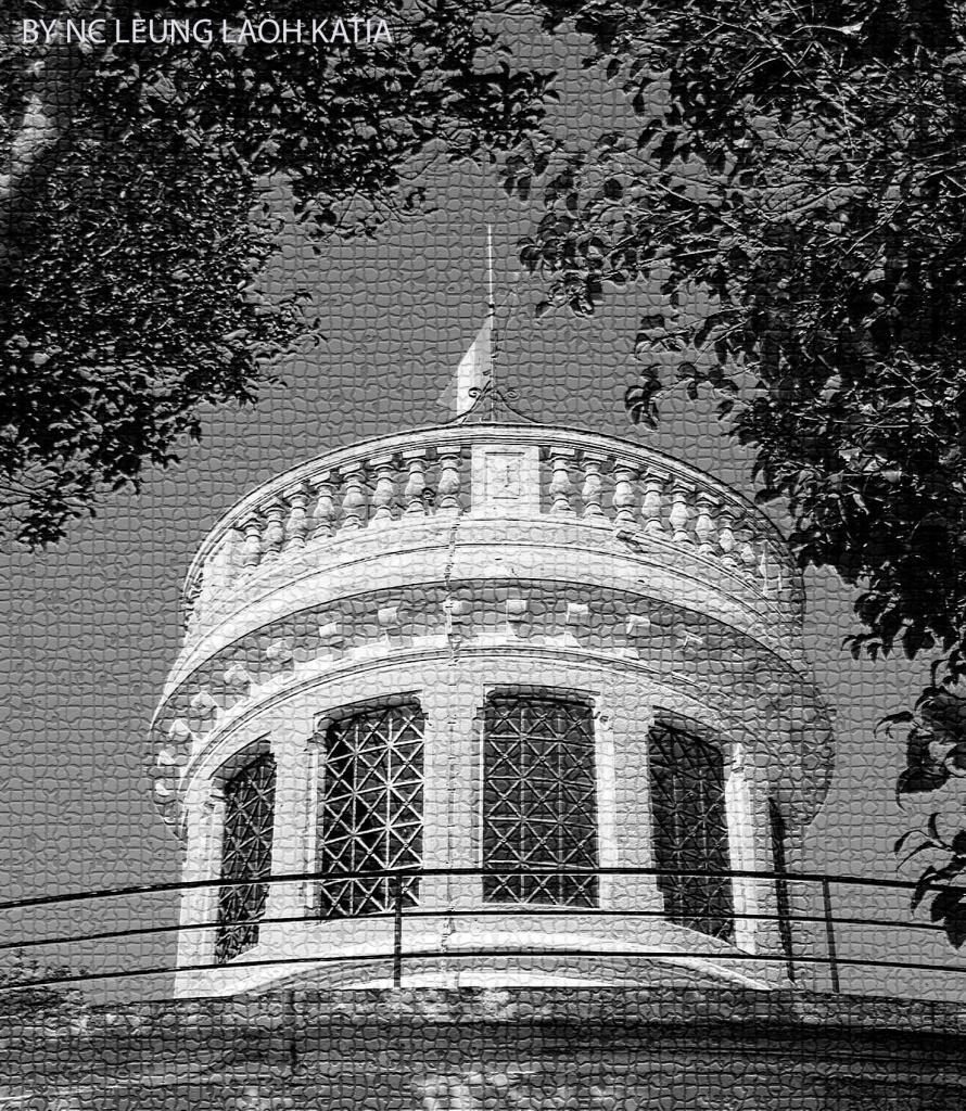 Tour de la motte en noir et blanc effet mosaïque